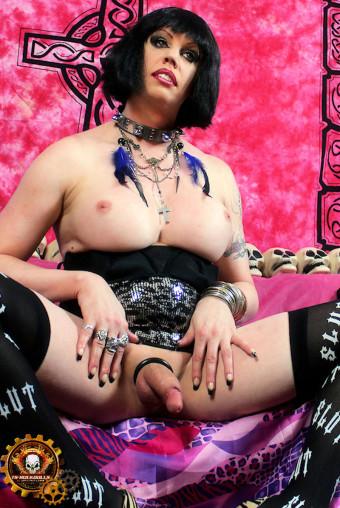 fhg-tsrd-pink-n-black-slut-033